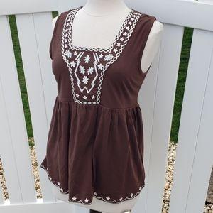 🆕 Dressbarn Sleeveless Peplum Embroidered Blouse